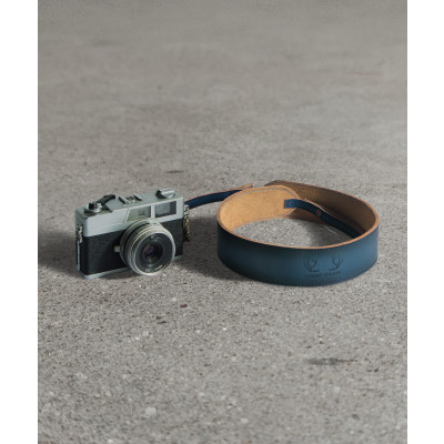 Havana_Camera_Strap_Cobalt-Travel-Mount Wilder-2753