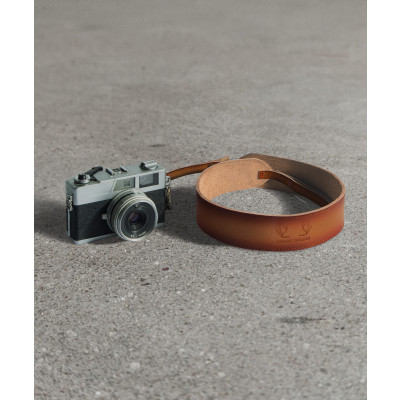 Havana_Camera_Strap_Tan-Travel-Mount Wilder-2754