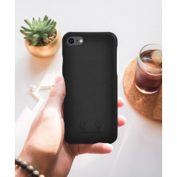 Oslo_iPhone_Case_Charcoal-Accessories-Mount Wilder-3194